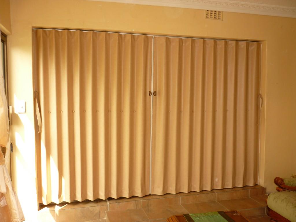 Jual PVC Pintu Lipat